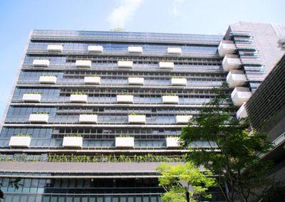 Yishun Hospital, Walls of Louvres for Natural Air