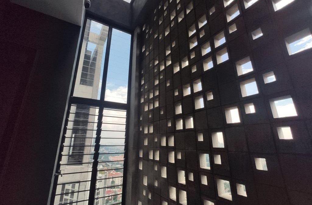 Kapas Heights Condominium with Breezway Louvres